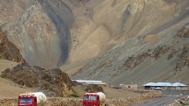 Trucks on road to Leh